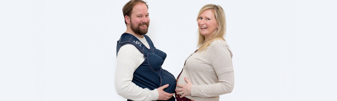 couple at early pregnancy class in Warwickshire